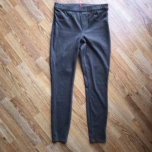 Spanks leggings